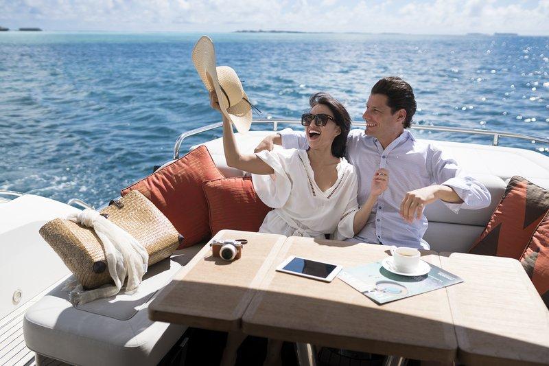romantic destinations , maldives, luxury cruises,