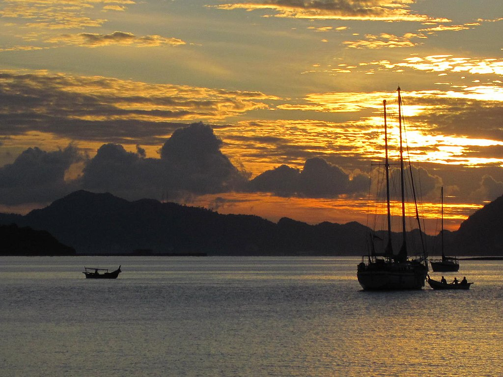 Sunset | Image Credit: Ss6sam6, Morning Langkawi Malaysia, CC BY-SA 4.0