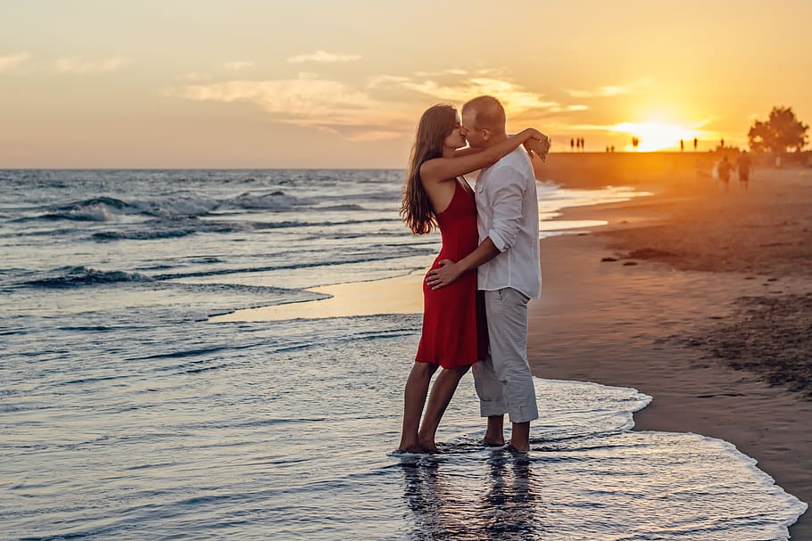 Romantic sunsets|Image via wallpaperflare.com